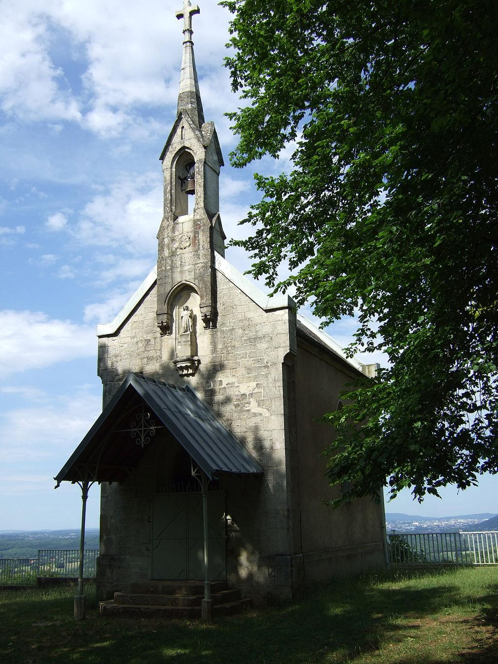 La chapelle Notre-Dame-du-Mont de Thoraise - By MJohnP68 [CC BY-SA 3.0  (https://creativecommons.org/licenses/by-sa/3.0)], from Wikimedia Commons - 2011